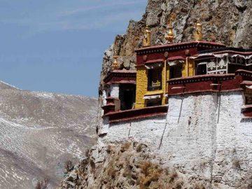 Drak-yerpa-monastery