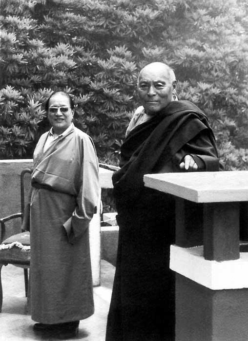 kyabje-dudjom-rinpoche-va-kangyur-rinpoche